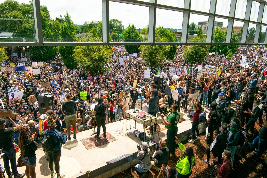 Several thousand protesters gathered at a Black Lives Matter protest taking place at the Eugene Courthouse_May 31 2020_photo by Kimberly Harris/DailyEmerald)